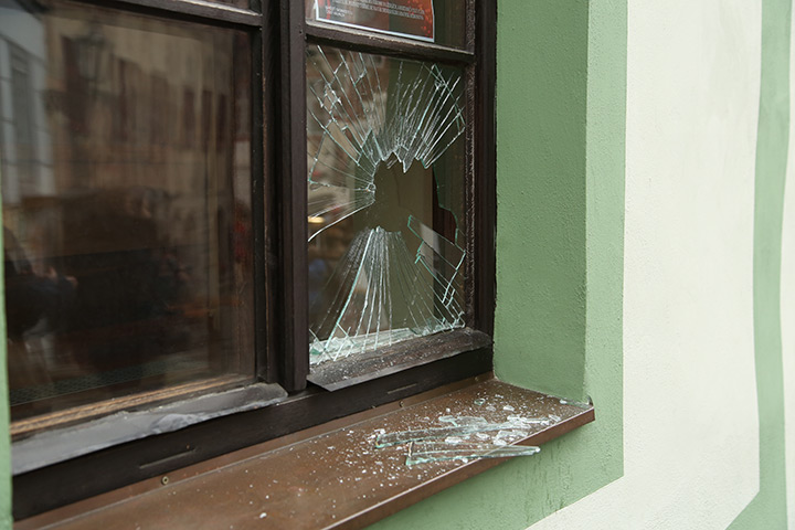 A2B Glass are able to board up broken windows while they are being repaired in City Of London.
